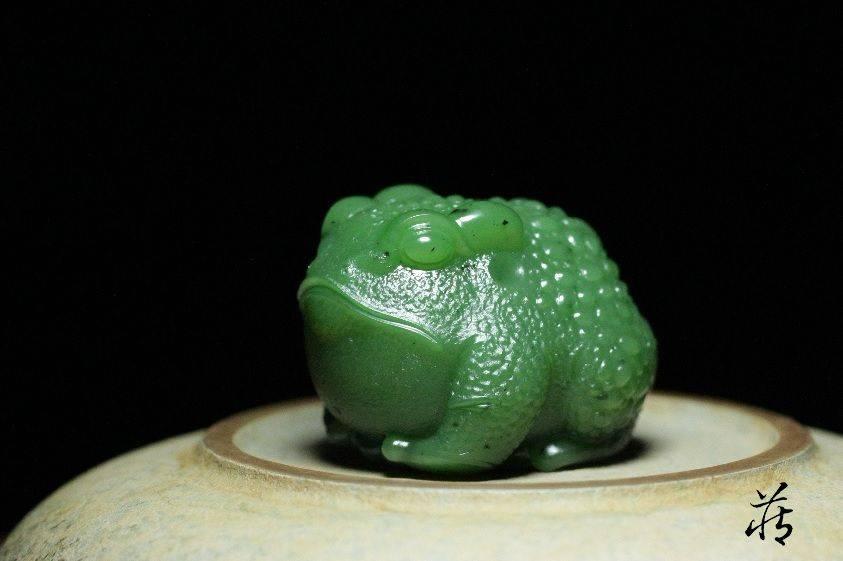 为何那么多人都抢着佩戴玉雕青蛙和蟾蜍,真相在这儿!